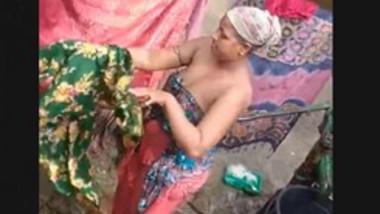 Desi Bhabhi Weraing Cloths after Bathing