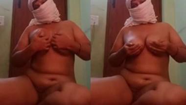 Horny Desi Bhabi 3Clip
