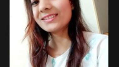 Cute Desi Girl Fingering (Updates)