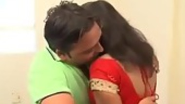 Desi bhabhi smooched by neighbor guy in absence of her husband