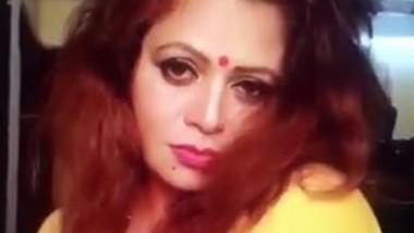Sapna Bhabi Horny Clip In Yellow Saree