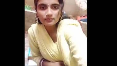 Desi cute face girl nude selfe 1