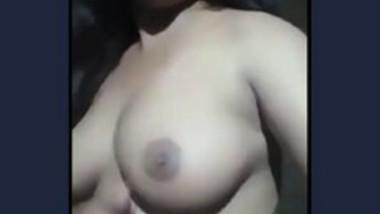 Desi cute girl show her big boobs selfie cam video