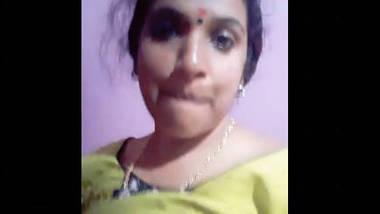 Desi village bhabi cute face