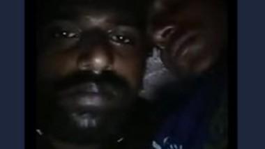 Desi bhabi boob sowing hasbaind