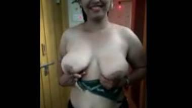 Desi cute girl sexy boobs