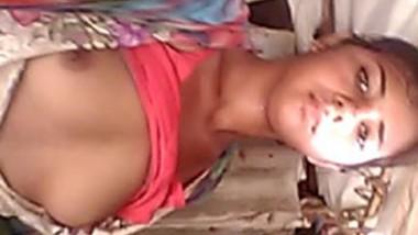 Desi village girl show her boob selfie cam video