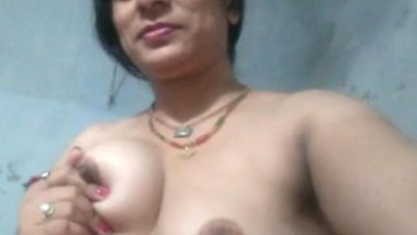 Beautiful Married Bhabi Showing
