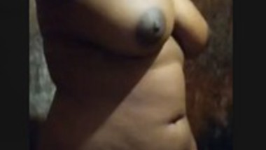 Sexy Figure Tamil wife One More Small Clip