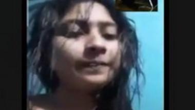 Beautiful Cute Desi Gf Showing On Video Call