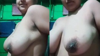 Sexy Desi Girl More Clips (Updates)