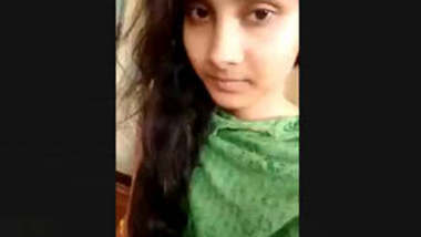 Bangladeshi Beautiful Girl Showing Boobs And Pussy