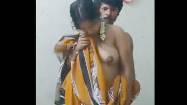 Desi bhabi fucking with old father in lw