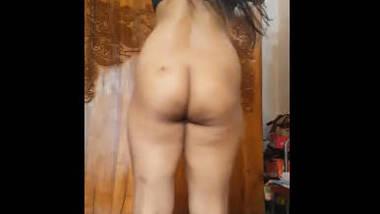 Friend sexy wife mina make her video -5