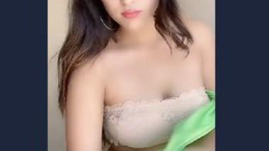 Beautiful girl live show app video 2
