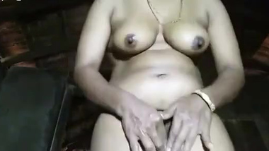 [ All Indian Hard Porn ] Desi village bhabi show her sexy pussy