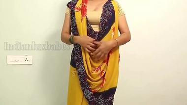 Desi sexy body bhabi aunty XXX sefa show her nude body and make video