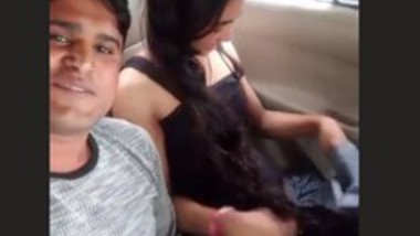 Desi lovers Fun In Car