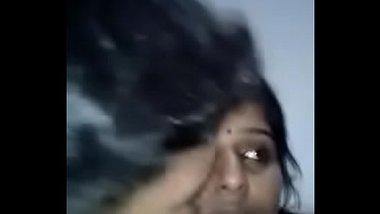 Hot Mallu Bhabhi Secretly Showing Pussy