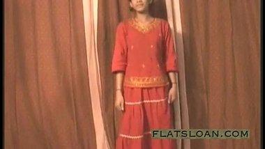 Mumbai Porn Actress Undressing And Peeing