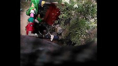 Village desi aunty secretly captured bathing XXX video