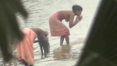 Desi Village Women Bathing In River