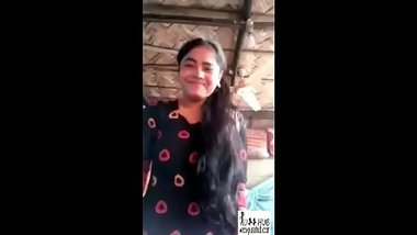Topless Telugu girl exposing her hot tits