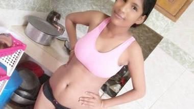 Tamil sexy randi fing her big pussy