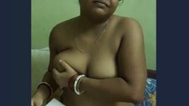 Horny Boudi big boob