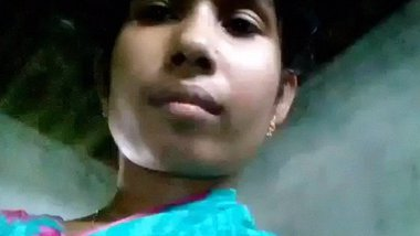 BD village girl pissing selfie video shared online