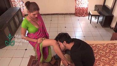 Hot maid satisfying her boss' neighbor