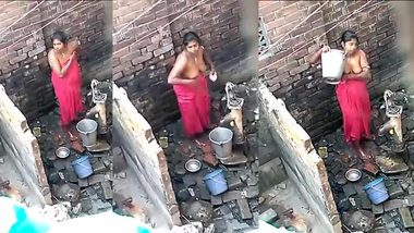 Hidden sex video of chubby Indian woman washing her XXX tits outdoors