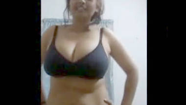 Desi sexy bhabi really hot fgr