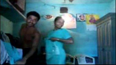 Desi sex MMS of a South Indian aunty's affair