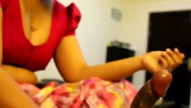 Amateur sex video of Indian woman showing cocksucking skills