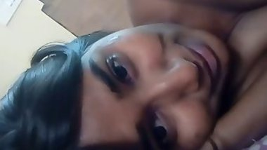 Beautiful Indian girl films on camera XXX body perfect for chudai