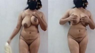 Sexy Desi Bhabi