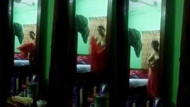 XXX Hidden cam - Desi village bhabi change her dress