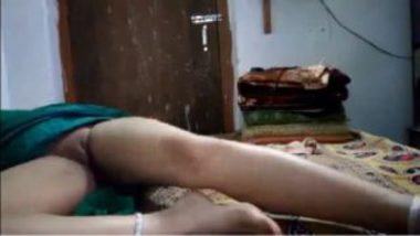 Licking and fingering sexy marathi aunty pussy