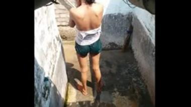 Hot young girl bathing video secretly filmed 2