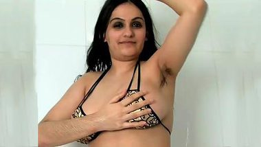 Indian sex pussy is sweet even with hair on her armpits and legs