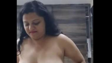 Indian sexy big boob mammi riding