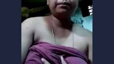 Nappily wife boobs show selfie video