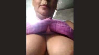 Desi Big boobs aunty showing her boobs