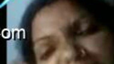 Sexy Desi MILF works for XXX webcam chat revealing her big boobs