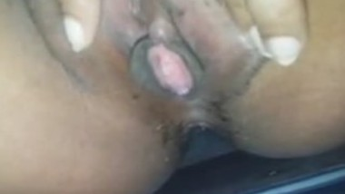 Paki chick Sobia Azam Nude Selfie 3