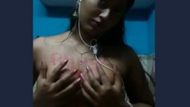 Kolkata boudi show her big boob selfie video capture