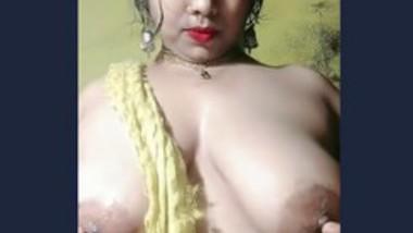 Indian boudi show her big boob selfie video