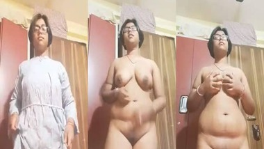 Chubby Bangla girl striptease selfie video