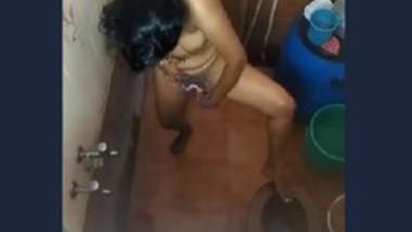 Desi wife hidden bath capture